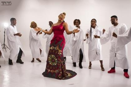 yemi-alade-na-gode-swahili-version-b-t-s-3