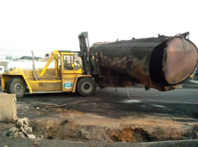 Emergency-responders-remove-fuel-tanker-that-caused-Lagos-explosion