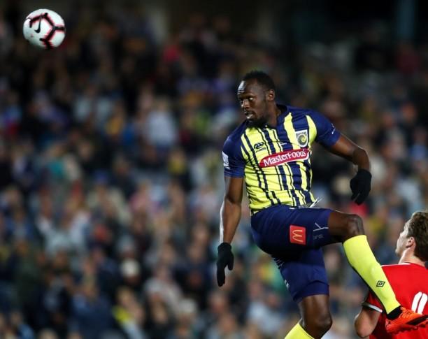 Usain-Bolt-Football-Debut-2